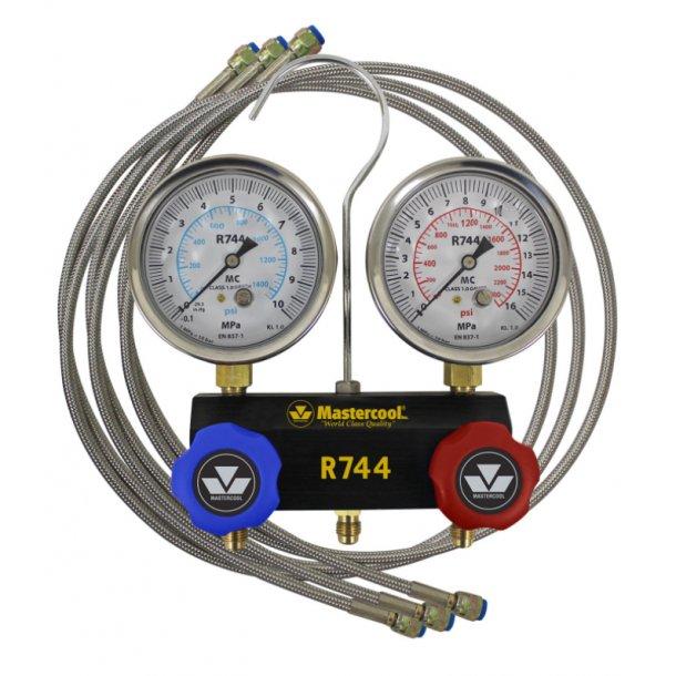 2-vejs manifold til R744, 80 mm CL 1 instrumenter-væskefyldte, inkl. 3-vejs slangesæt, 1,5 m